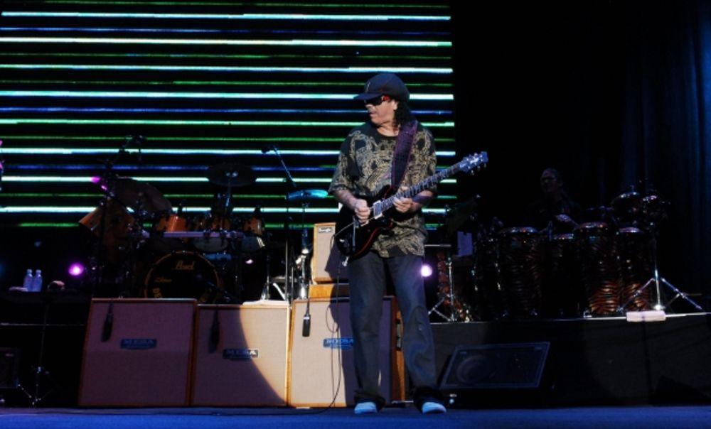 Carlos Santana 117669_koncert-santana-15-697779187_ff