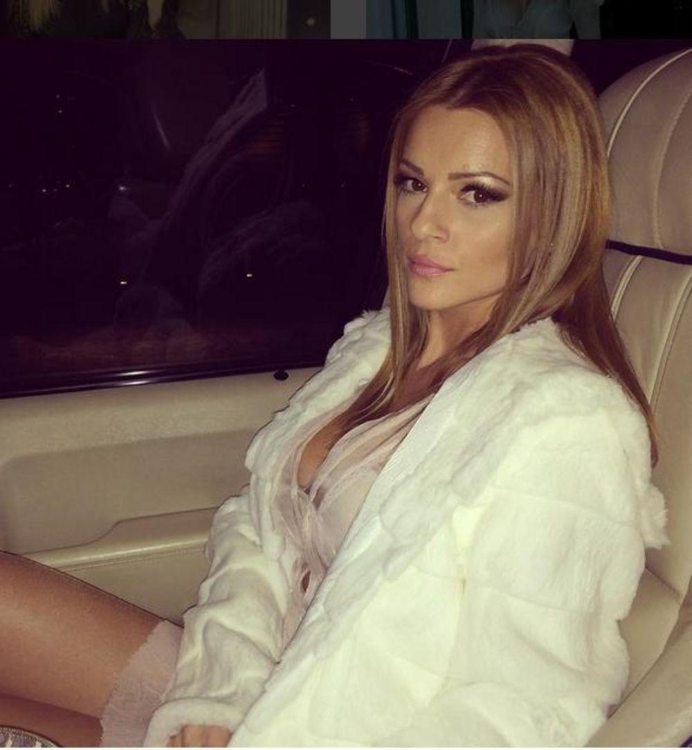 Jelena Kostov Nude Photos 29