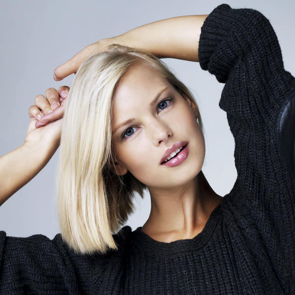 Dame poslušajte savete stručnjaka: 4 nijanse uz koje  će vaša kosa biti u trendu ove jeseni (FOTO)