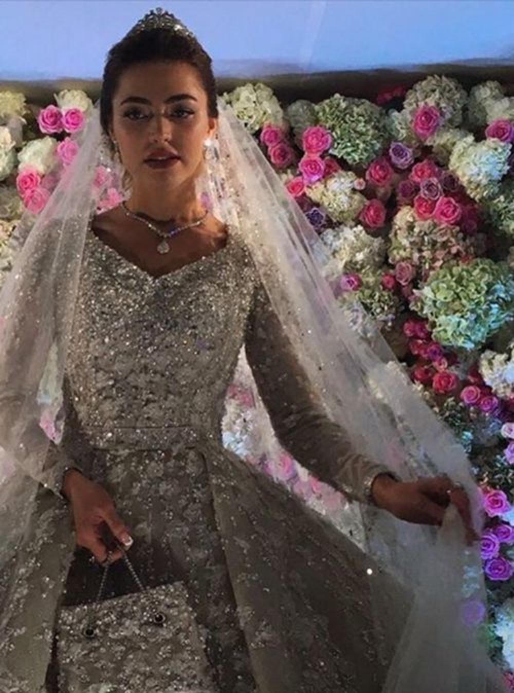 фото хадижи ужаховой со свадьбы гуцериева крутят любовь