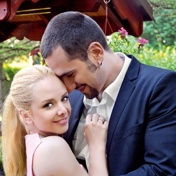 Pre pet godina izgovorili su sudbonosno da pred jednim veoma poznatim glumcem: Ovako je izgledalo venčanje Ane Štajdohar i Nikole Demonje (FOTO)