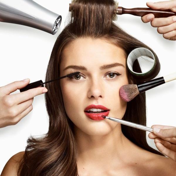 Devojke, oprez: Pojedini make up proizvodi više štete nego što koriste, a jedan izaziva čak i konjuktivitis (FOTO)