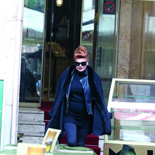 Mia Begović: Zatišje pred buru
