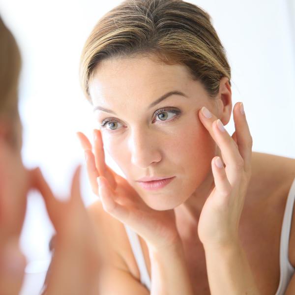 Nikada ga ne biste koristili na ovaj način: Prirodna maska od brašna učiniće da zaboravite na botoks