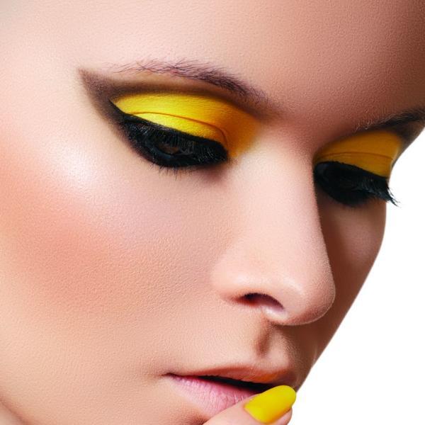 Make-up saveti za devojke koje se stide da nose šminku u boji