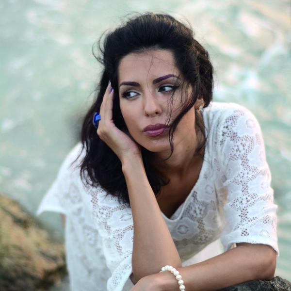 Dugo se pričalo o njihovom razvodu, a sada je tome kraj: Jednim poljupcem Tanja Savić je pokazala prava osećanja (FOTO)