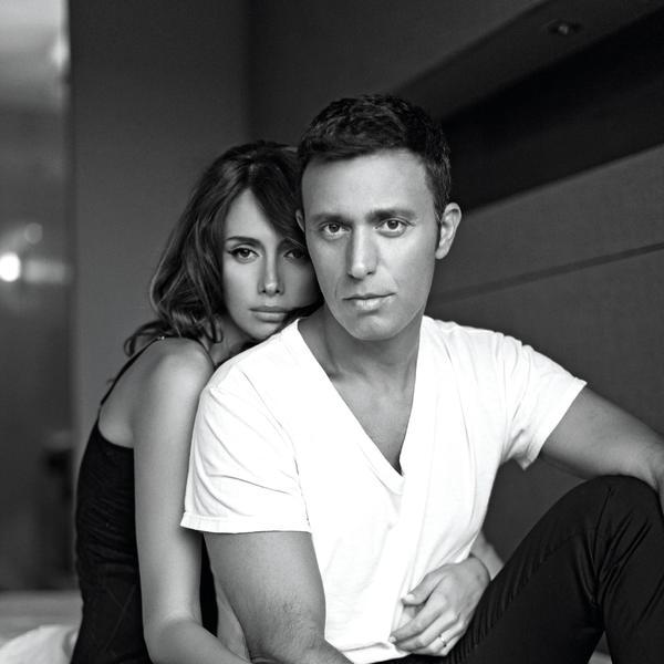 Proslavili su rođendane, godišnjicu braka, šta je sada na redu? Emina Jahović i Mustafa Sandal u noćnom provodu (FOTO)