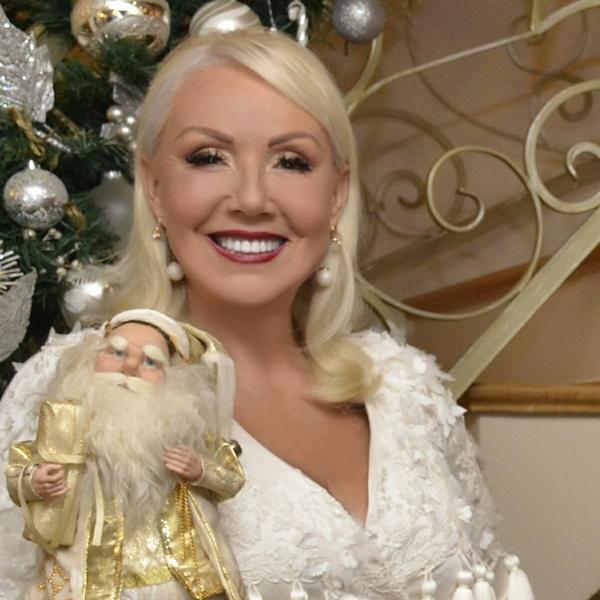 Brenina čestitka će vam se posebno dopasti: Poznate ličnosti za novogodišnje praznike imaju najlepše reči (VIDEO)