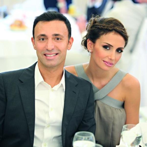 Nisu mu čestitali, već pozavideli: Mustafa Sandal je proslavio rođendan, a Emina Jahović privukla je sve poglede (FOTO)