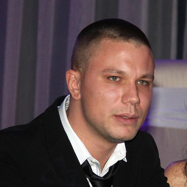 U životu je prečesto tugovao: Relja Popović sa samo 27 godina doživeo 4 teške tragedije - i uvek ostajao hrabar i jak