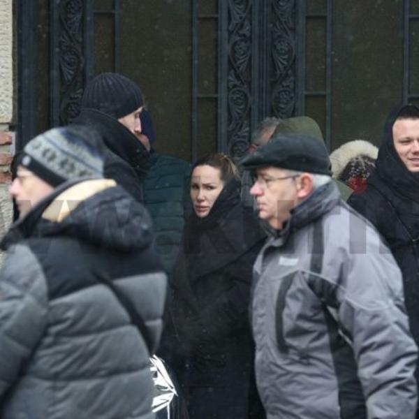 Sahranjena Zoja Begoli: Vesna i Nikolija tešile Relju u stravičnom trenutku (FOTO)