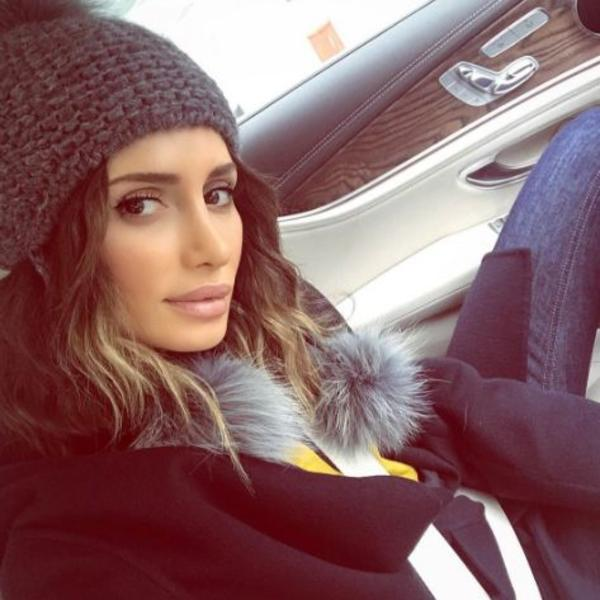 Okovani na Mustafin rođendan: Zašto Emina Jahović u proteklih 5 dana nije napustila svoj topli dom (FOTO)
