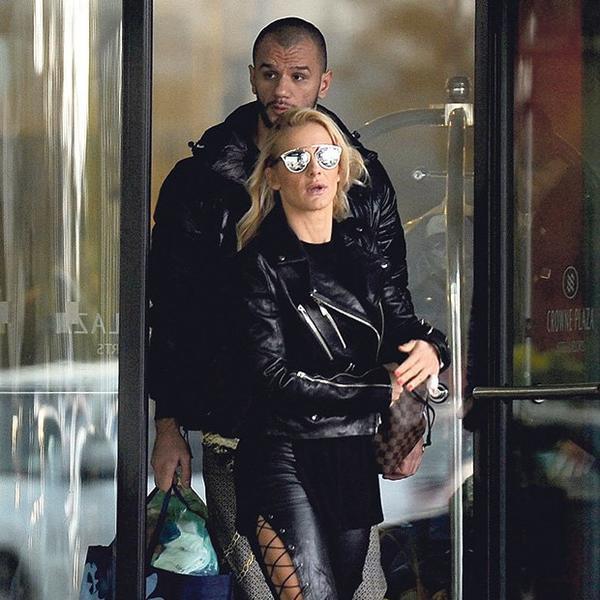 Pod kapuljačom je napustila Prvi osnovni sud: Prve fotografije Milice Dabović nakon incidenta (FOTO)