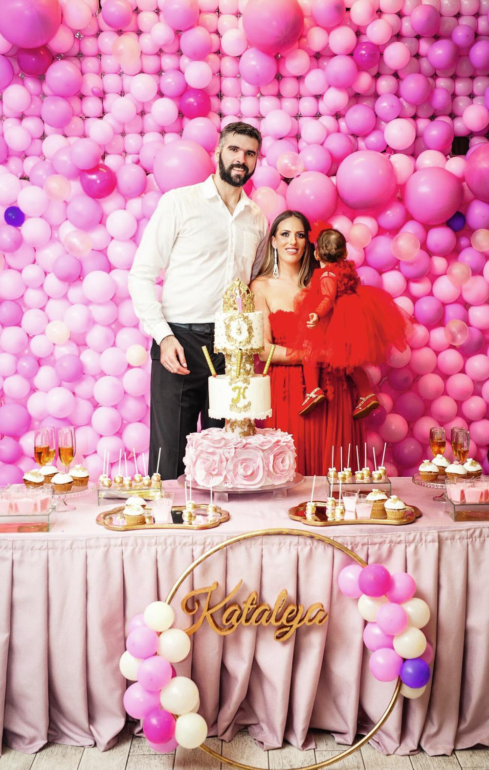 prvi rodjendan Tamara i Slavko Vraneš obeležili prvi rođendan mezimice: U  prvi rodjendan