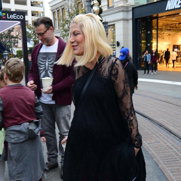 Slavna glumica se porodila po PETI put: Beba ponela ime od samo 2 slova (FOTO)
