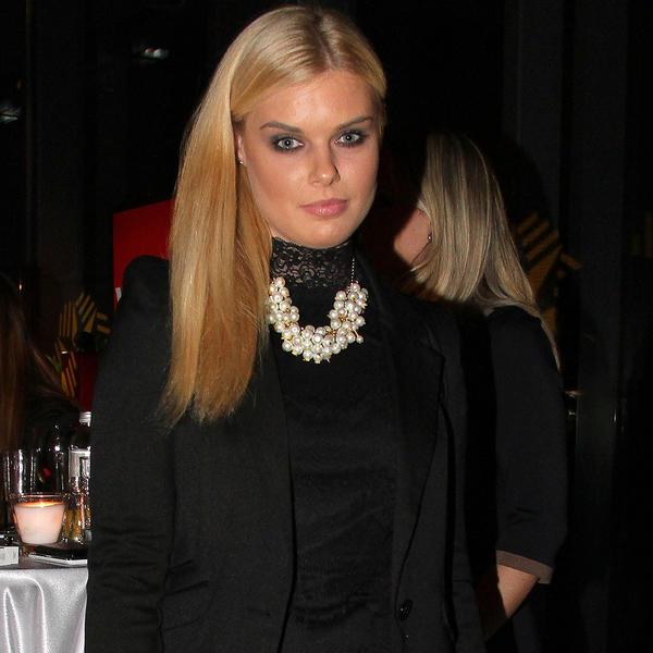 Lepa voditeljka i njen kolega čekaju prvo dete: Iva Smiljanić pokazala stomačić! (FOTO)