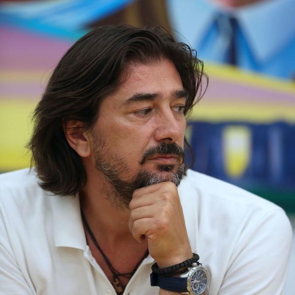 Slavni glumački par pokušao da objasni ćerkicama zašto su im roditelji popularni: Očinske brige Vojina Ćetkovića