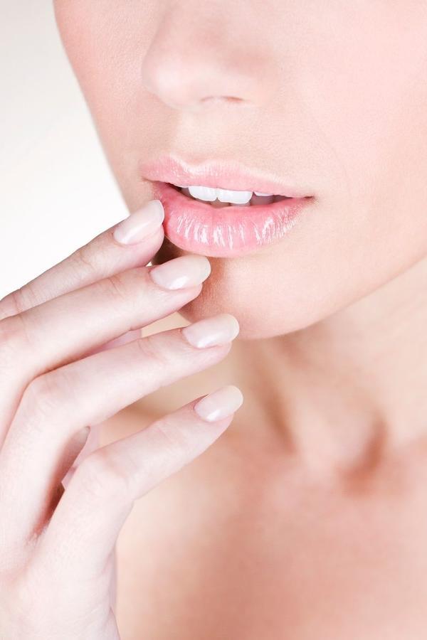 Napravite pravi izbor: Ovo su najlepše boje lakova za kratke nokte