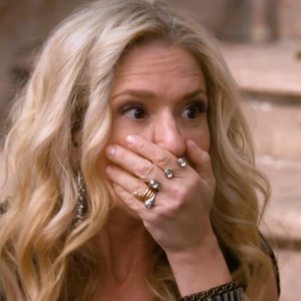 Naočare za sunce su joj ODLETELE SA GLAVE: Zašto je voditeljka gošći glumici udarila šamar u sred emisije? (VIDEO)