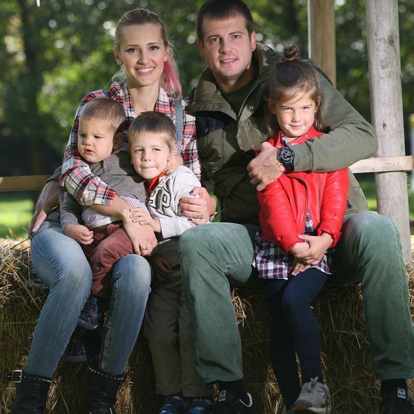 Uvek će ih vezivati TROJE divne dece, ali se nakon 11 godina braka LJUBAV UGASILA: Razvode se Iva i Nenad Lalatović (FOTO)