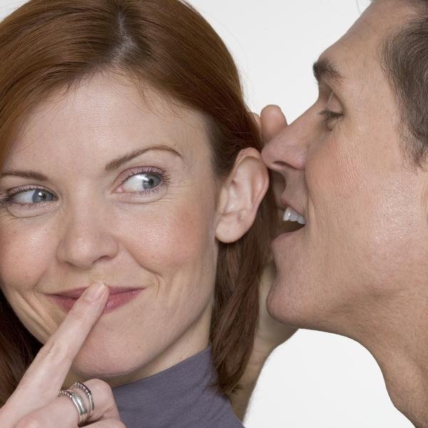Dilema rešena: Da li muškarci pre biraju manje pametne žene za partnere? (FOTO)