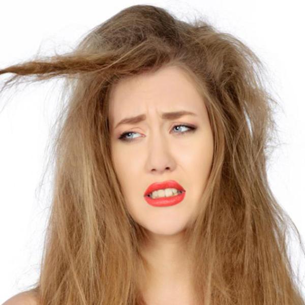 Kada operete kosu, obrišete je peškirom? Pogrešno! 5 stvari zbog kojih vam je frizura očajna (FOTO)