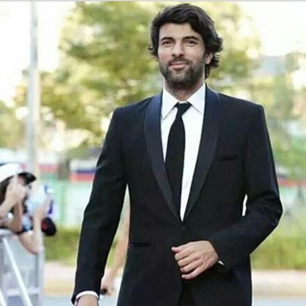 Roditelji ga nagovorili da ostavi popularnu manekenku: Najsočniji tračevi o životu popularnog turskog glumca (FOTO)