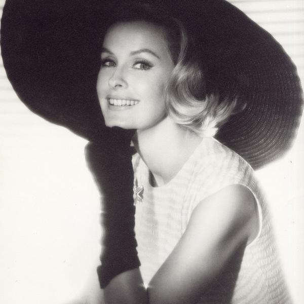 Odrekla se svog imena i udavala se 3 puta: Preminula slavna glumica (FOTO)