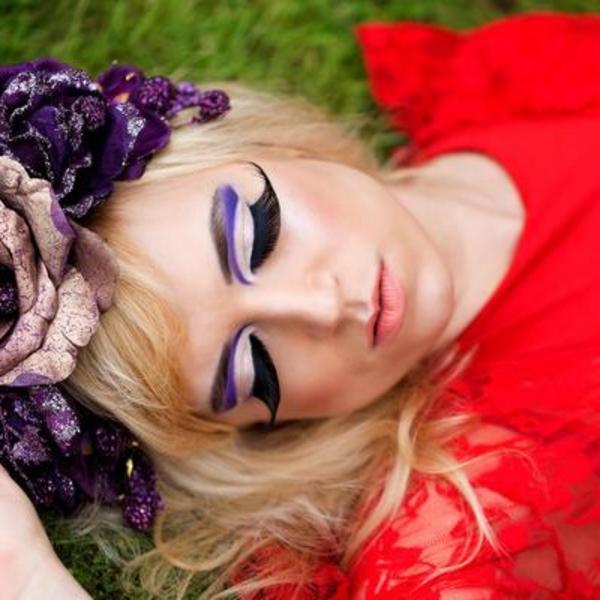 Lenje devojke najčešće prave ovu grešku: Ostarićete preko noći ako ne skidate šminku pred spavanje (FOTO)