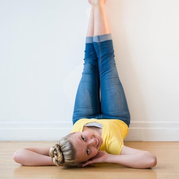Podignite noge uza zid: 3 razloga zašto će vam ova vežba pospešiti zdravlje