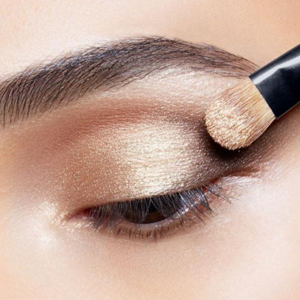 Ovako se pravilno koristi paleta senki za oči