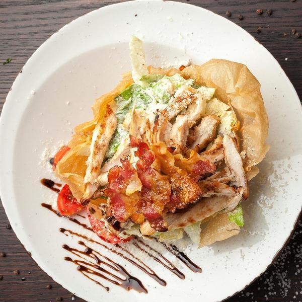 Uz dodatak sezonskog povrća ovo jelo biće odlično i za oko i za zub: Piletina u trapistu