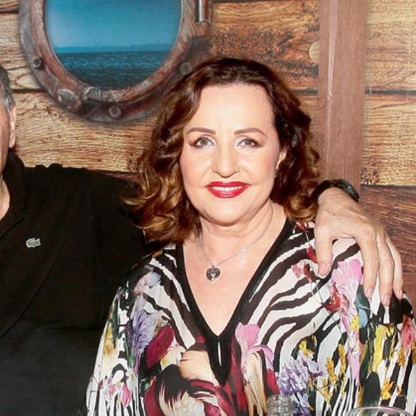 Ne mari za njegov bračni status: Ana Bekuta ispričala šta njeni unuci misle o vezi sa oženjenim Mrkonjićem (FOTO)