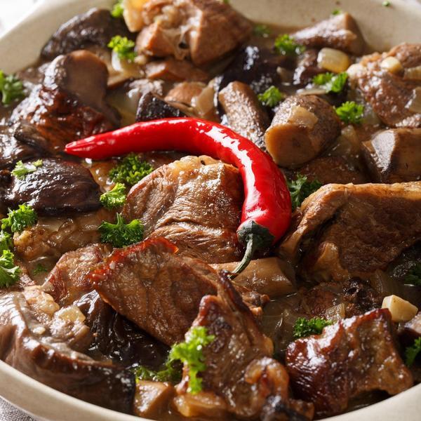 Ideja za nedeljni ručak: Ovako se pravilno priprema Turli tava