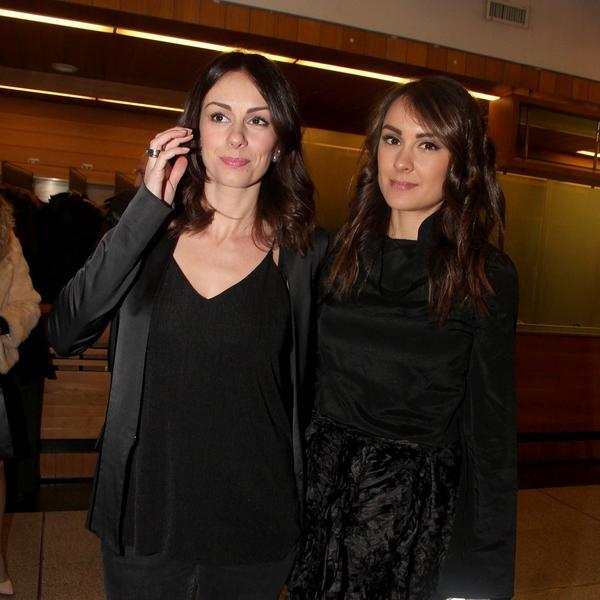 Nikada do sada viđena fotografija: Sloboda Mićalović sa sestrom Draganom iz najnežnijih dana