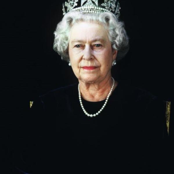 Presto u senci skandala: Pikantni detalji burne biografije Kraljice Elizabete Druge