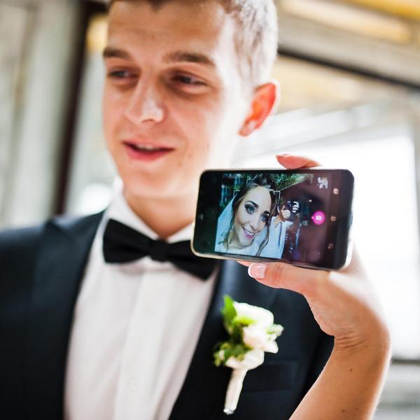 5 stvari kojima buduće mlade nerviraju drugarice na društvenim mrežama