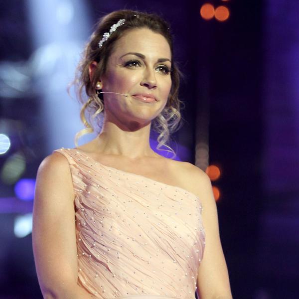 Čipka, seksepil i (ne)spojive boje: Marijana Mićić u najlepšoj elegantnoj haljini koju smo videli ove zime (VIDEO)