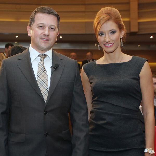 Jovana i Srđan nisu jedini: I ovaj zgodni voditelj je napustio Pink