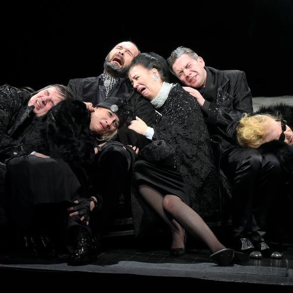 """Jagoš Marković postavio """"Ožalošćenu porodicu"""" na scenu Narodnog pozorišta"""