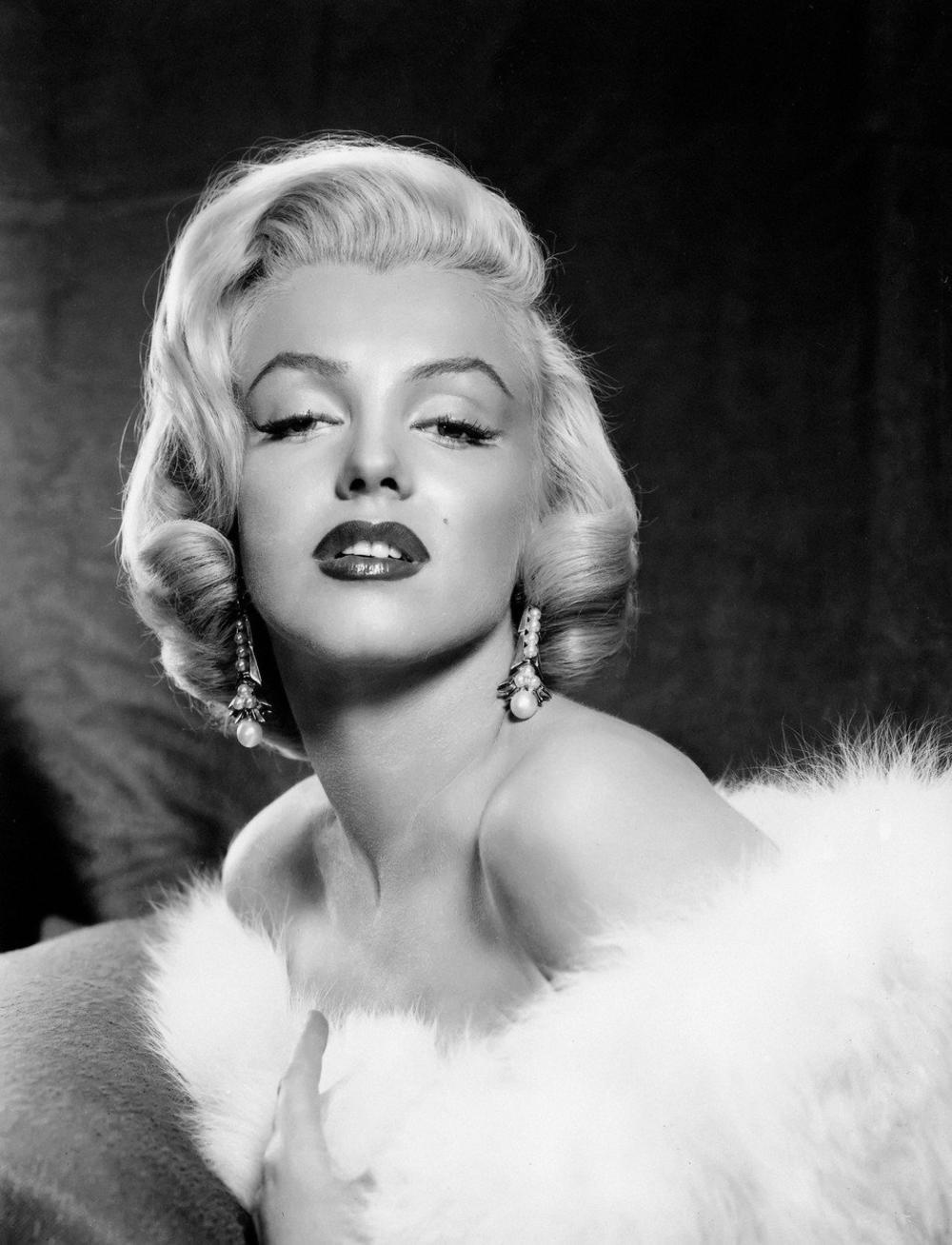 <p>Bila je oličenje glamura i seksepila, i skoro da nije bilo osobe koja nije želela da joj se približi i bude poput nje.</p>