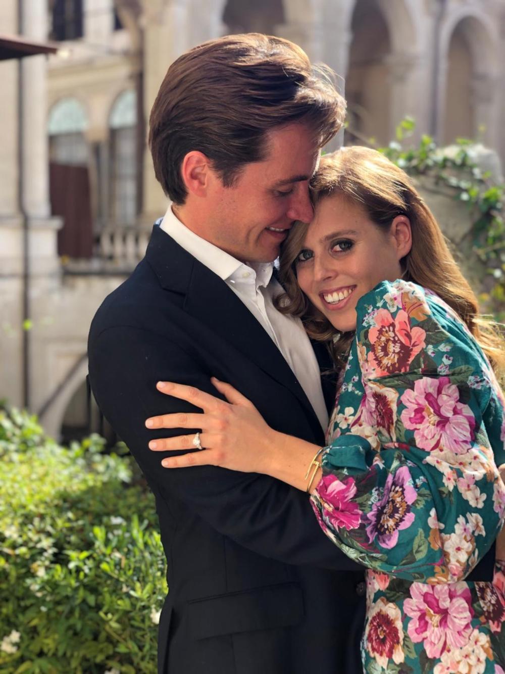 <p>Nakon što je u martu zbog pandemije virusa korona odložila venčanje, princeza Beatris više nije želela da čeka</p>