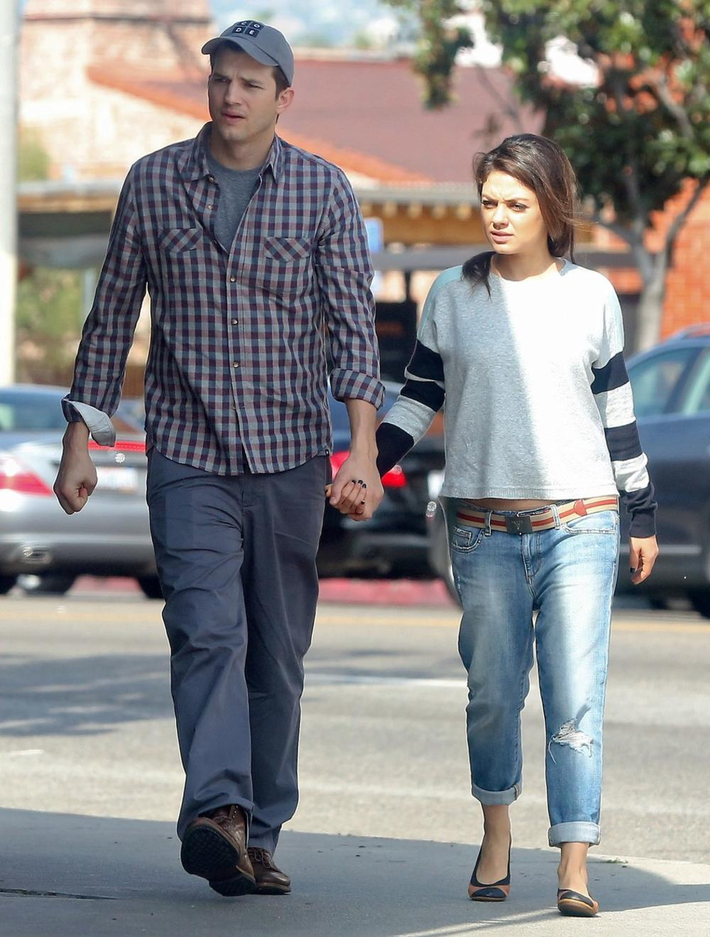<p><br /> Mila Kunis i Ešton Kučer važe za jedan od omiljenih i najskladnijih parova Holivuda, a utehu su jedno u drugom našli nakon prekida dugih veza.</p>
