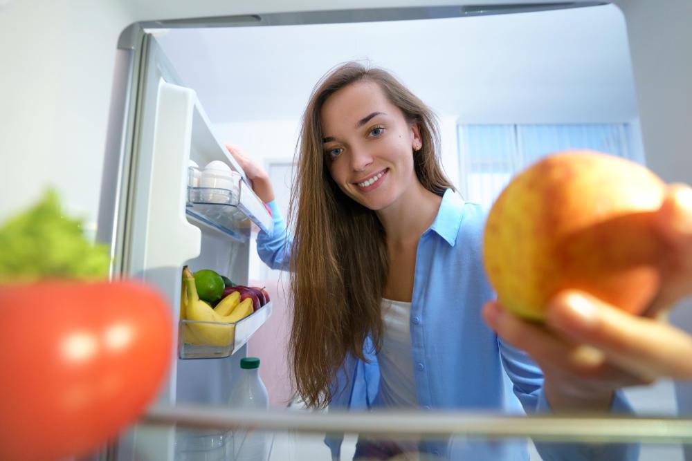 Odlaganje hrane, namirnice, hrana, voće, povrće, frižider, domaćinstvo