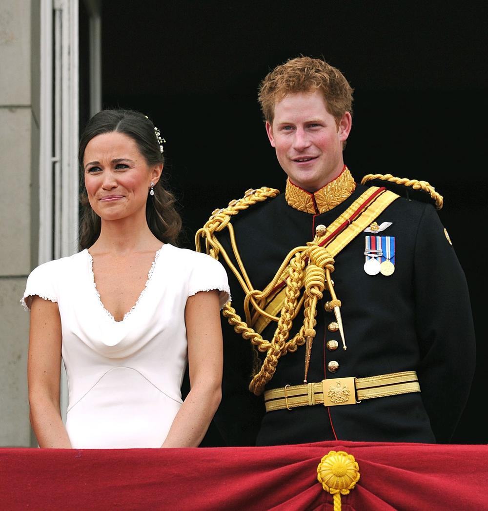 <p>Kako piše britanski <em>Mirror</em>, princ Hari se i te kako potrudio da ostavi utisak na venčanju decenije</p>