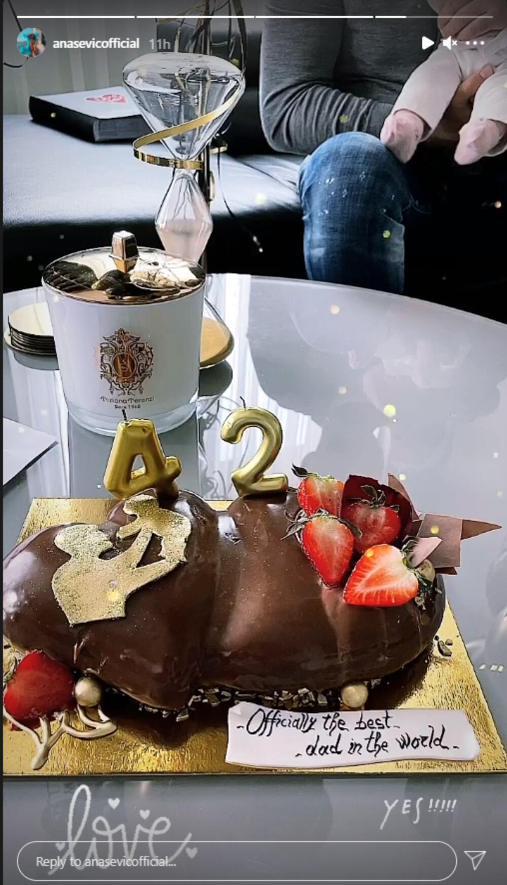 <p>Ana Sević na društvenim mrežama čestitala je rođendan svom partneru Danijelu Nedeljkoviću i tom prilikom podelila simpatičnu atmosferu iz njihovog porodičnog doma</p>