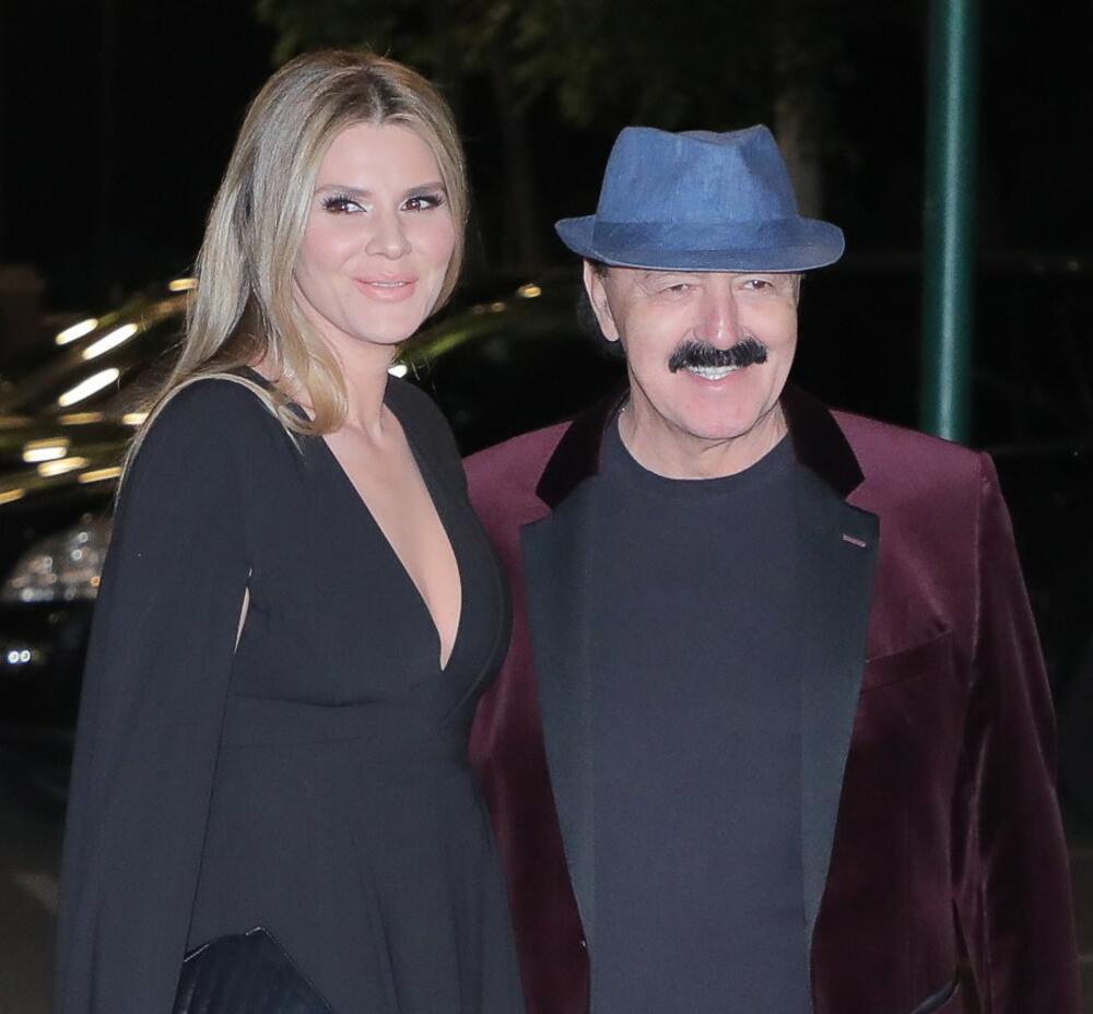 <p>Mada se<strong> Haris i Melina Džinović</strong> trude da ne otkrivaju previše o svojoj porodici i intimi, isplivao je jedan detalj iz njihovog doma</p>