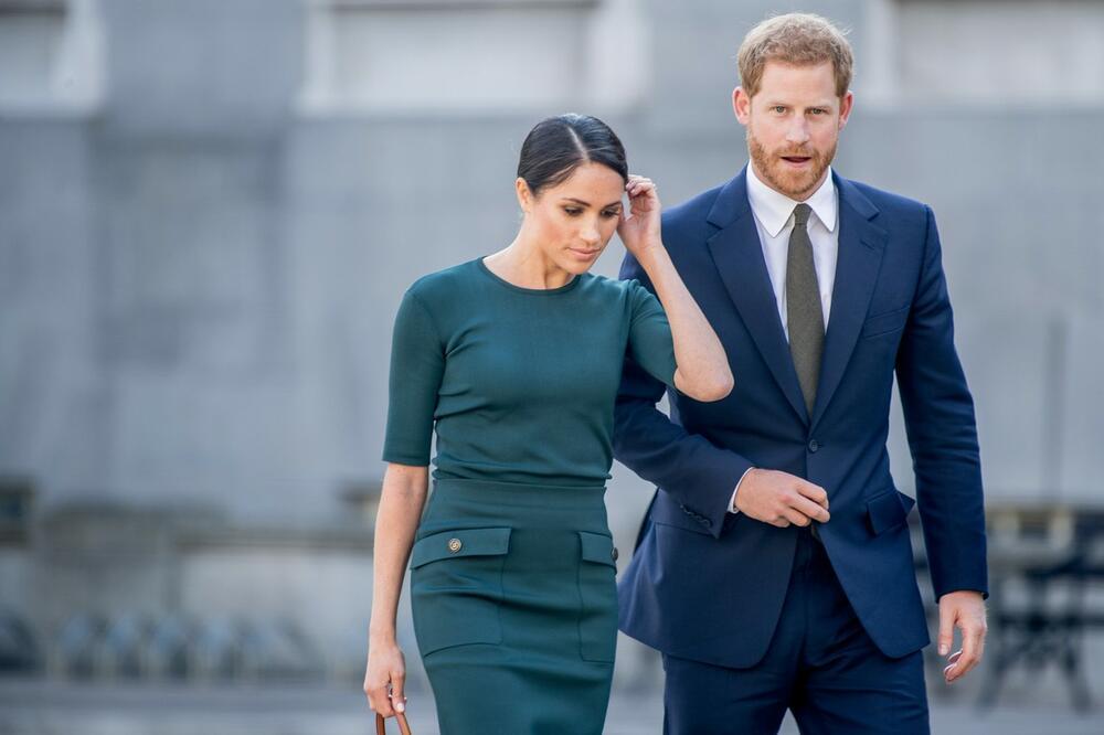 <p><strong>Megan Markl i princ Hari</strong> imaju u planu dolazak u Veliku Britaniju, a traže sastanak sa <strong>kraljicom Elizabetom.</strong></p>