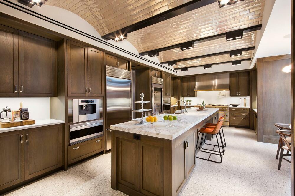 <p>Nekretnina je koštala više do 42 miliona dolara, ali je poznati par uspeo da spusti cenu jer je imanje vlasništvo familije Kušner.</p>