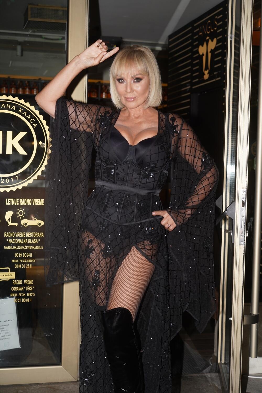 <p>Na Breninom nastupu bila je i pevačica<strong>Aleksandra Prijović,</strong>a obe zvezde porodice Živojinović blistale su u crnim stajlinzima!</p>